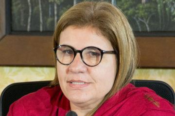 La economista afirmó que los bonos sociales son una medida de ayuda ante la situación económica