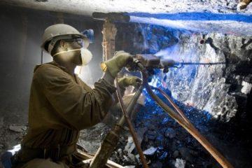 A través de un acuerdo histórico se logró aprobar 395 millones de dólares por siete empresas de la minería en Sudáfrica