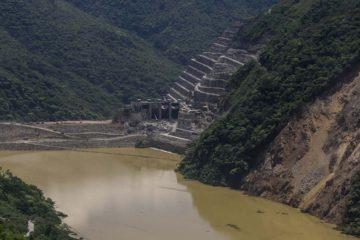 La medida fue tomada por las autoridades a causa del desbordamiento de un túnel en Hidroituango situado en Puerto Valdivia