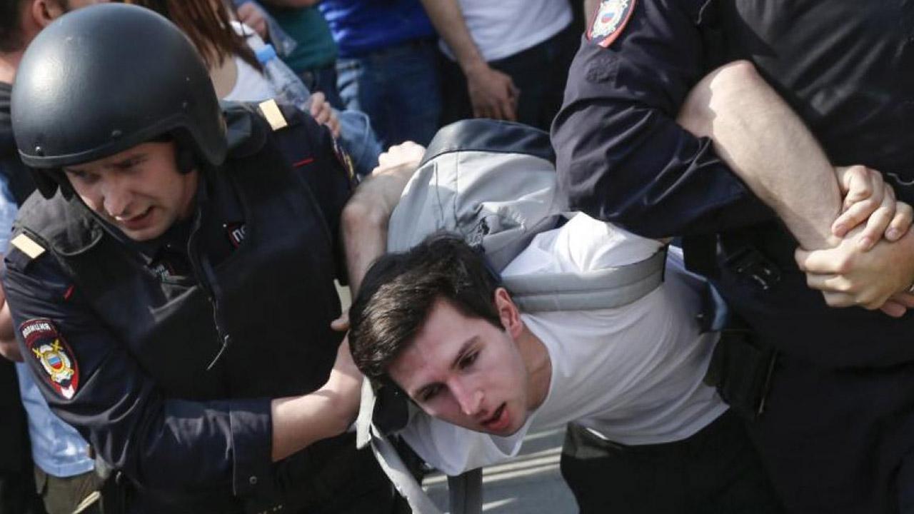 La víctima conocida como Arkadi Babchenk, 41 años, fue asesinado luego de realizar críticas hacia el Gobierno ruso