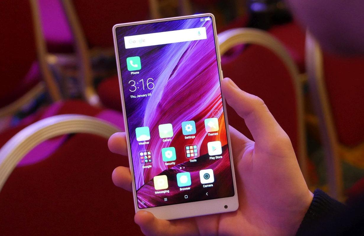 La empresa fabricadora de teléfonos inteligentes no ofreció detalles sobre el costo, sin embargo se estima según informes que sea de 10.000 millones de dólares