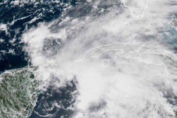 La tormenta subtropical provocará marejadas ciclónicas, fuertes lluvias y tornados en su paso por la región