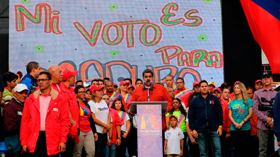Durante un acto de campaña en Caracas, el presidente informó que con la operación Manos de Papel tuvo que intervenir Banesco