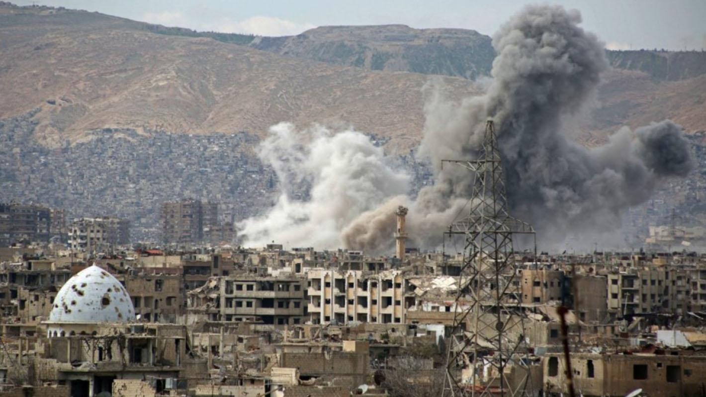 Almenos 23 civiles fallecieron por bombardeos de aviones no identificados en una localidad controlada por el Estado Islámico