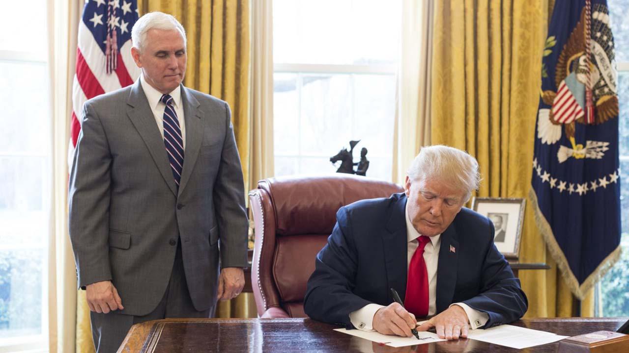 La nueva orden del Gobierno estadounidense incluye medidas contra el BCV y la estatal petrolera Pdvsa