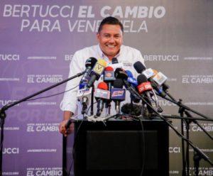 Bertucci con mensajes de esperanza y cambio