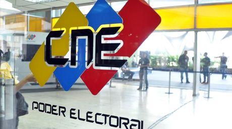 En España se instalaron 42 mesas de votación, dispuestas en las ciudades de Madrid, Barcelona, Bilbao, Tenerife y Vigo