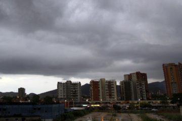 doble llave - El Inameh reporta el pasaje de una onda tropical originarán precipitaciones en cinco regiones