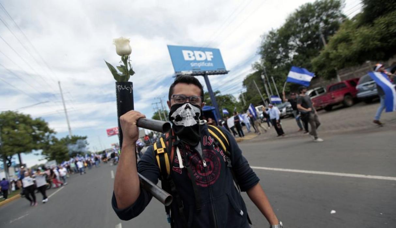 La violencia se desbordó durante una concentración en apoyo al Movimiento Madres de Abril