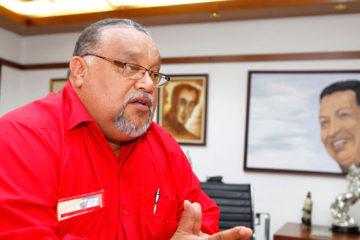 El constituyente aseguró que pese a las dificultades del país los empleados del gremio realizan su trabajo