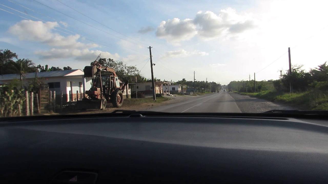 El hecho ocurrió la tarde del lunes en la provincia de Granma, donde dos camiones colisionaron