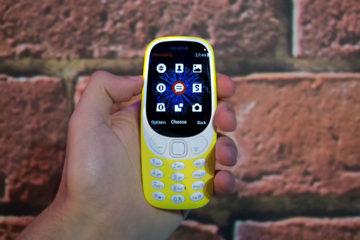El gigante de Internet quiere poner algunas de sus aplicaciones en celulares de bajo costo