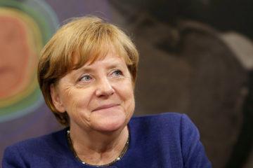 Angela Merkel, aseguró que la suma servirá como un apoyo para que el país asiático implemente de reformas económicas que el FMI le exige