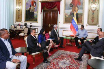 La decisión de Nicolás Maduro se da luego de una reunión sostenida con cuatro gobernadores opositores