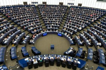 Parlamento Europeo enviará delegaciones a las fronteras de Venezuela
