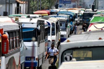La vicepresidente de la República, Delcy Rodríguez, sostuvo un encuentro con el ministro de Transporte para concretar ideas sobre el tema