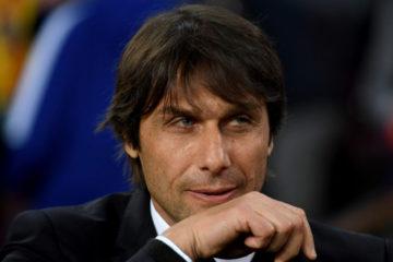 El entrenador teme que el retraso del despido por parte del club pueda afectar a su trayectoria profesional