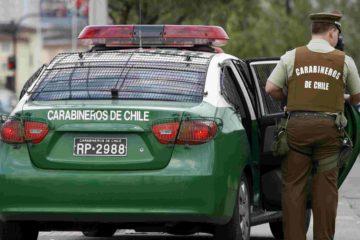 DOBLE LLAVE - El hecho se produjo cuando un sujeto activó disparos contra las personas desde un auto en movimiento