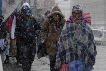 La causa de lo sucedido se debe al actual invierno en la zona que ocasionó la muerte de estas personas en la ciudad de El Alto, vecina a La Paz