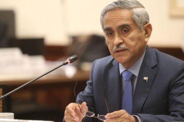 La decisión tomada por los dos funcionarios públicos inicia en medio de una seria de escándalo de corrupción que vive el país sudamericano