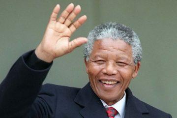 El texto resalta a Mandela como un ícono de las batallas por la libertad y derechos civiles y políticos en Sudáfrica y el mundo