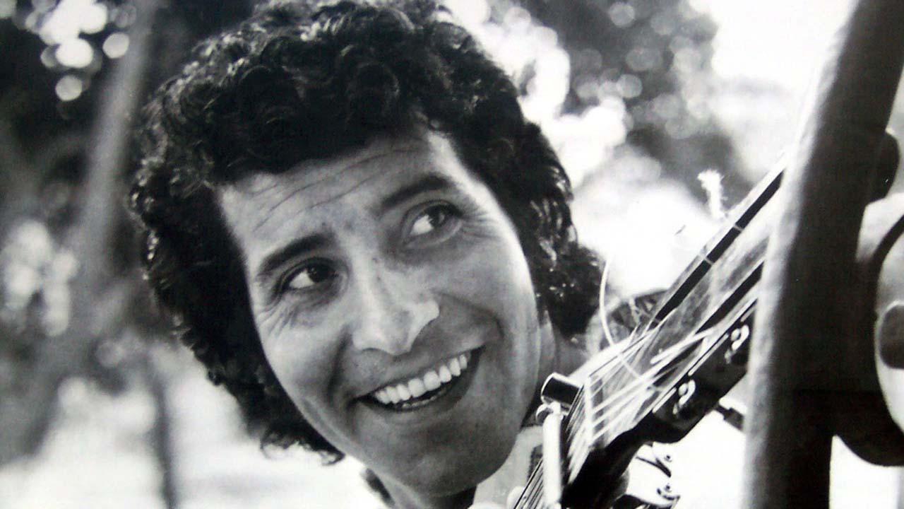 Las condenas van de 18 a 5 años al ser encontrados culpables por el homicidio y secuestro del cantautor chileno