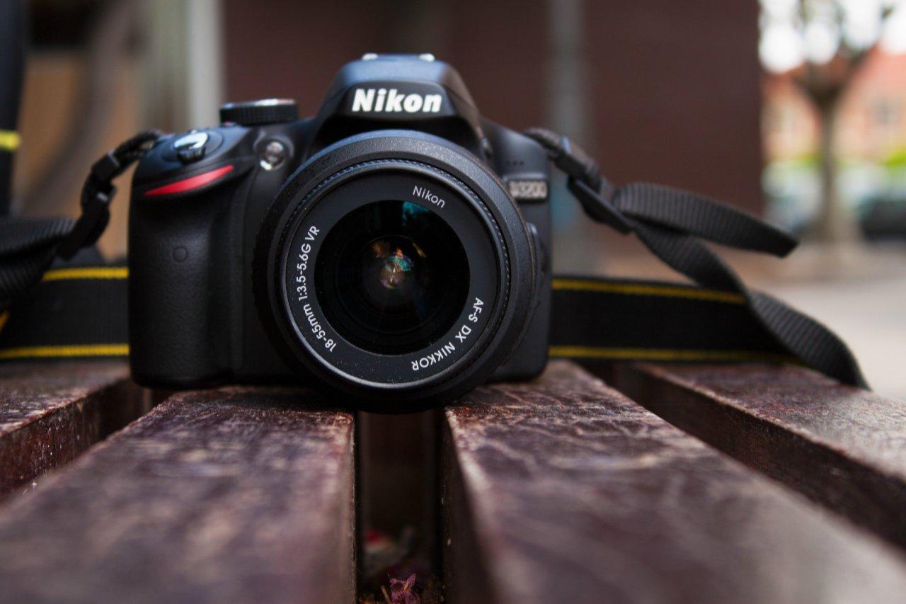 Nikon lanzará al mercado una cámara fotográfica sin espejos