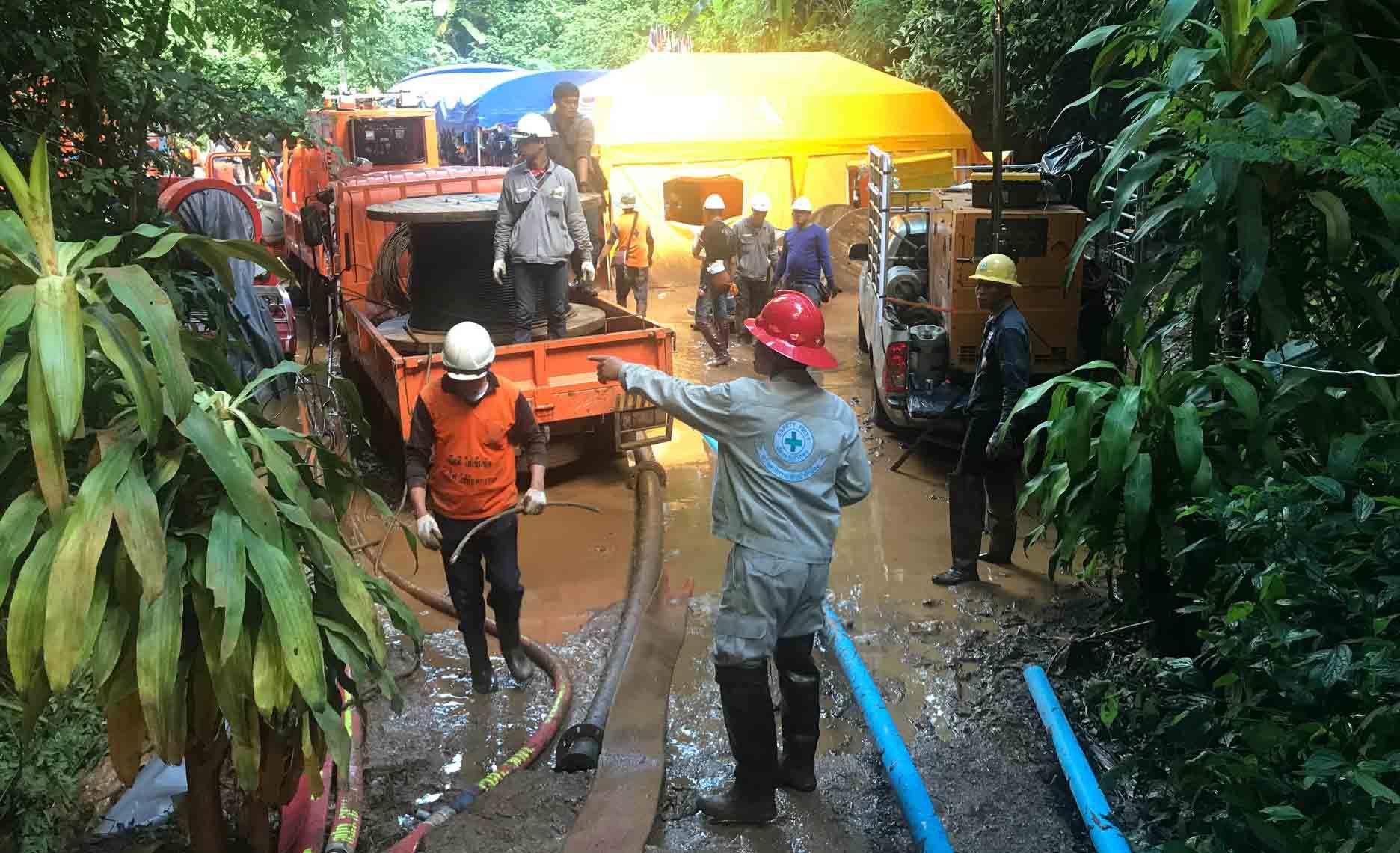 DOBLE LLAVE - El hombre se encontraba colocando tanques de oxígeno en la cueva cuando perdió la consciencia al intentar regresar