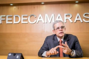 Larrazábal: La economía de Venezuela se ha reducido un poco más de un 56%