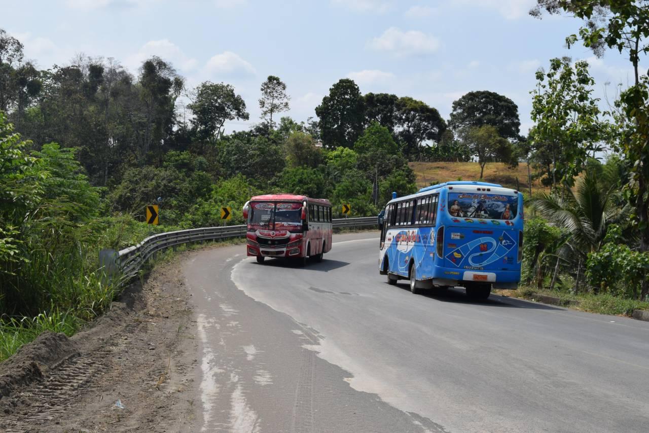 Venezolanos y Colombianos entre los 23 muertos en accidente de bus en Ecuador