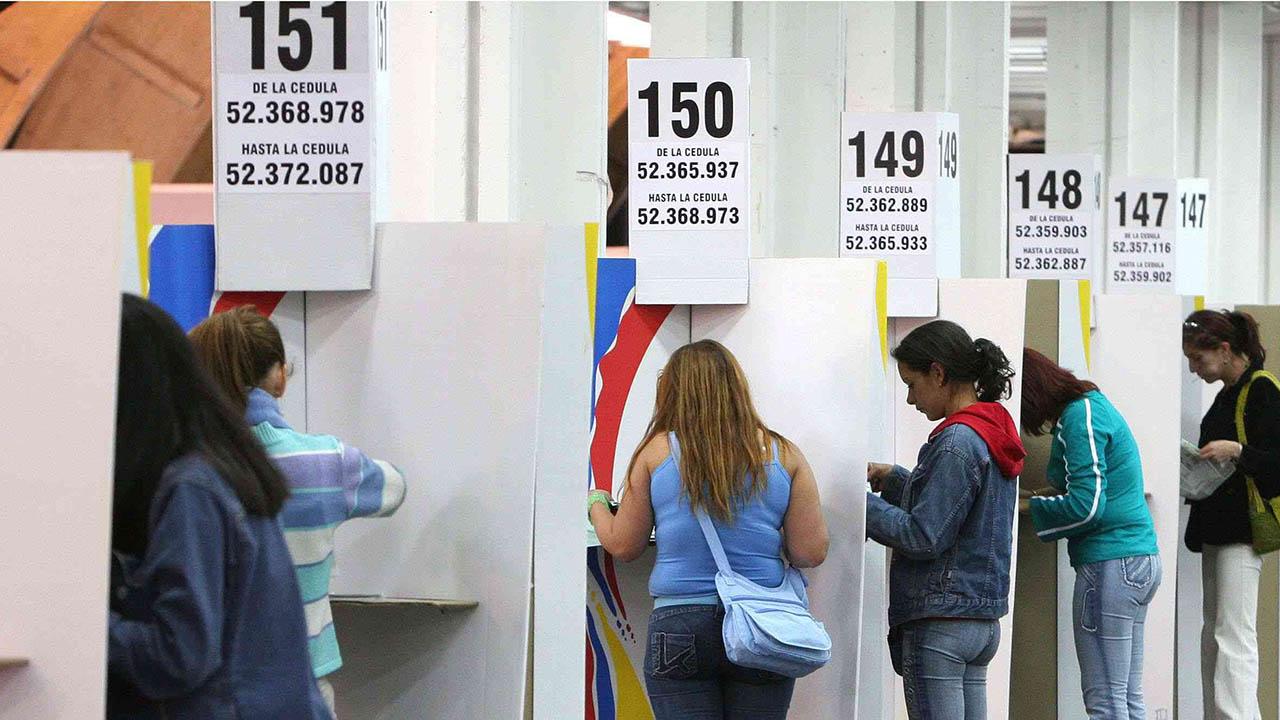 El proceso electoral incluirá la opción de refrendar la disminución del sueldo a los congresistas