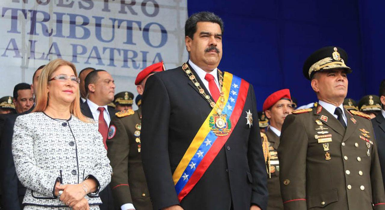 El jefe de Estado denunció la presencia de drones con explosivos durante un acto militar en la avenida Bolívar de Caracas