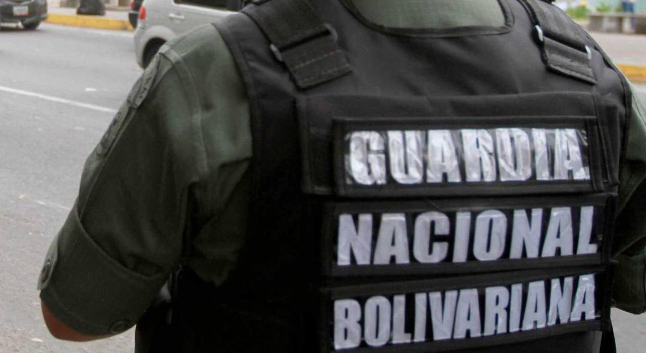 El Ministerio Público solicitó a Óscar Fernández y Nereida Guzmán tras incautar 17 panelas de droga en su vehículo