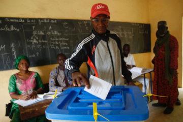 El Tribunal Constitucional de Malí tomó la decisión tras no obtener la mayoría de votos en la primera ronda de los comicios
