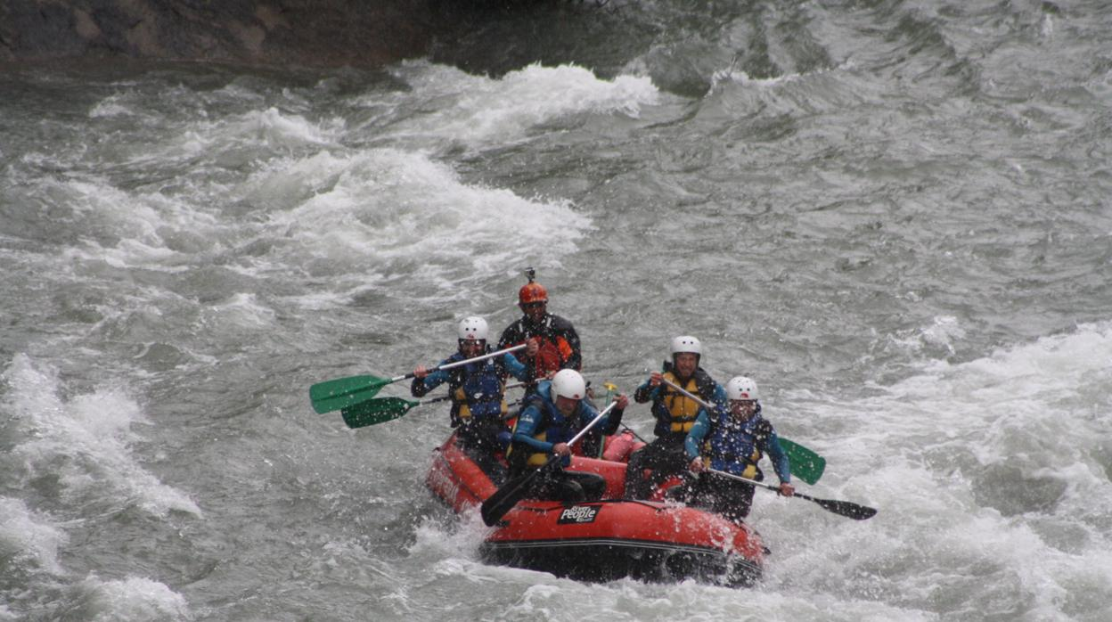 El hecho se registró debido a una crecida de agua durante una excursión en una garganta del río Raganello