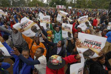 Miles de personas se han lanzado a las calles del país para protestar por el retraso de los resultados en las elecciones presidenciales