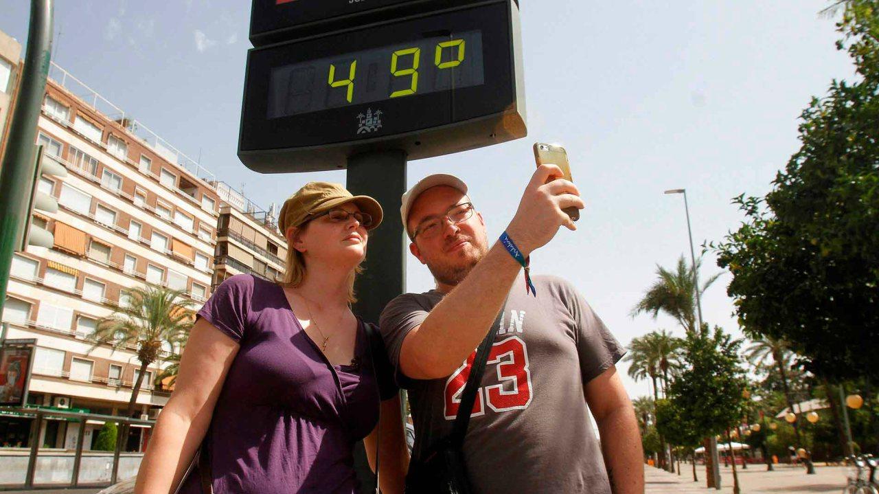 Ola de calor en España deja al menos ocho personas muertas