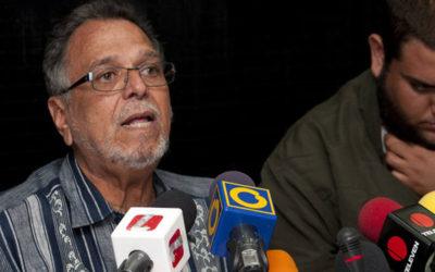 El presidente de la Asociación de Profesores de la UCV,Víctor Márquez, denunció que el último aumento salarial viola la Constitución