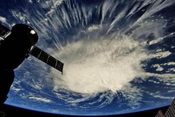 El Centro Nacional de Huracanes informó que el ciclón se ubicó a 1.500 kilómetros de Cabo Fear, en Carolina del Norte