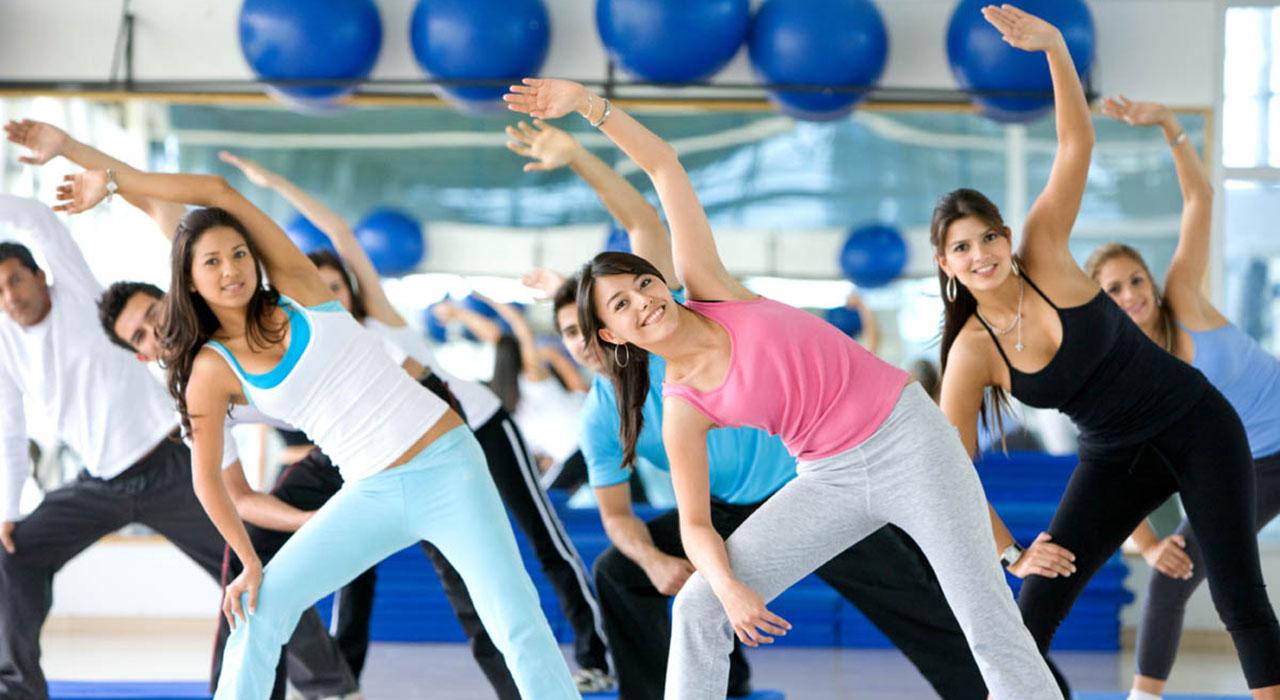 El entrenador personal de Gold's Gym, Javier Vegas, explicó que al ejercitarse la persona desarrolla capacidades positivas
