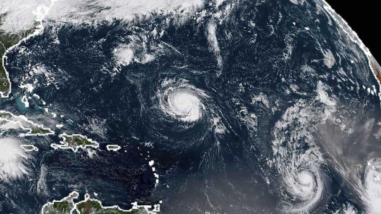 Los fenómenos podrían alcanzar la categoría mayor en las próximas horas y tocarán tierra a final de esta semana