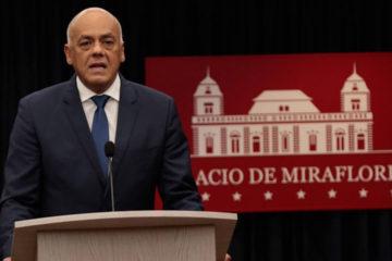 El anuncio fue realizado por el jefe de Estado que aseguró que en Venezuela viven más de cinco millones de colombianos