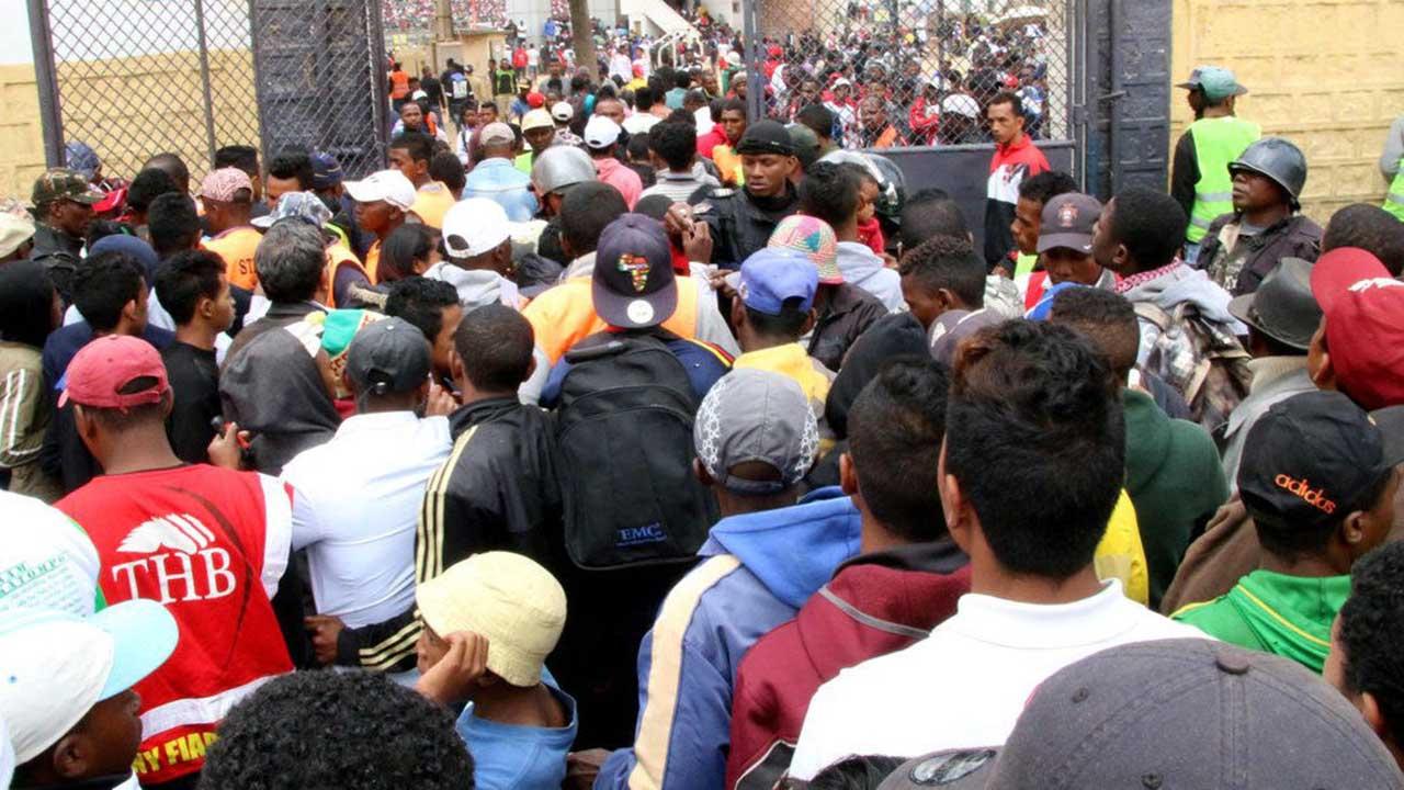 El hecho se registró en las afueras de un estadio de la capital previo a un juego eliminatorio de la Copa Africana 2019