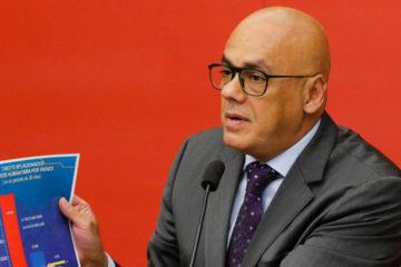 Jorge Rodríguez recordó que será necesario poseer el carnet de la patria para obtener gasolina subsidiada