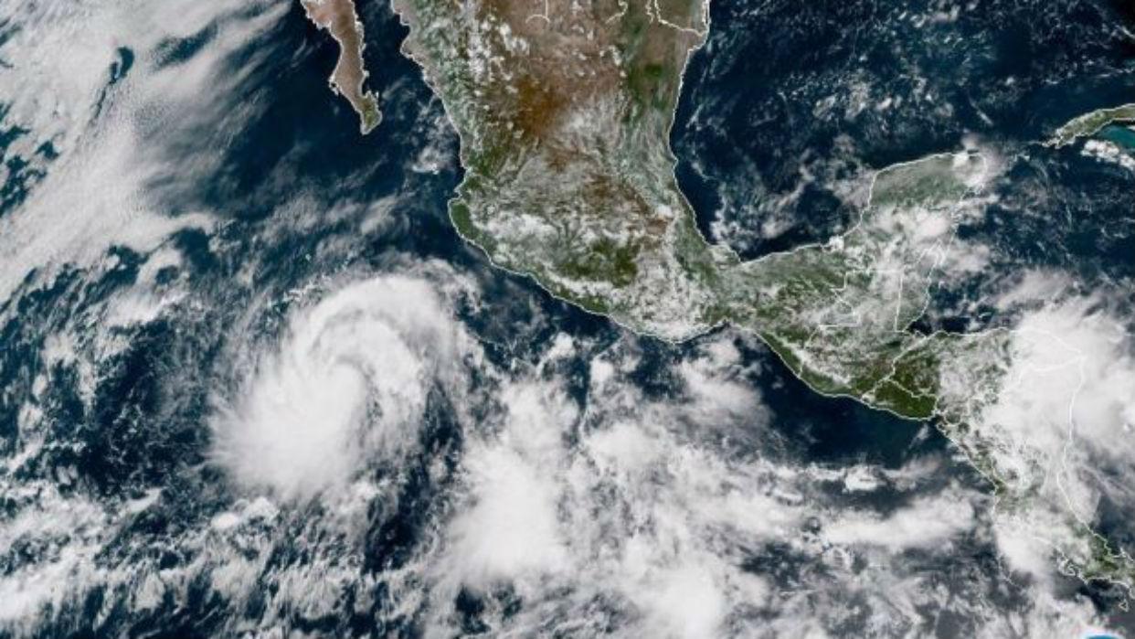 """Huracán """"Rosa"""" se intensifica a categoría tres en el Pacífico"""