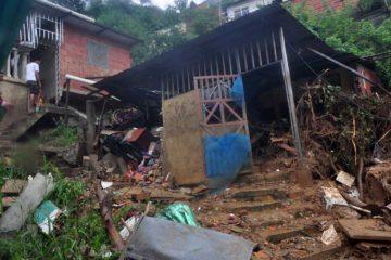 Fuertes lluvias en Vargas dejan dos menores de edad fallecidas