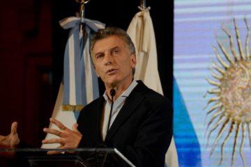 Macri reduce a la mitad su gabinete y aplica aranceles a exportación