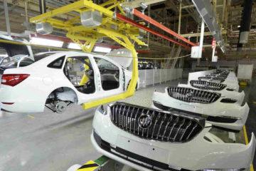 El acuerdo entre Estados Unidos, México y Canadá, establece una exigencia de contenido regional de un 75% en los automóviles