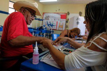 Brasileños eligen presidente con Bolsonaro como favorito