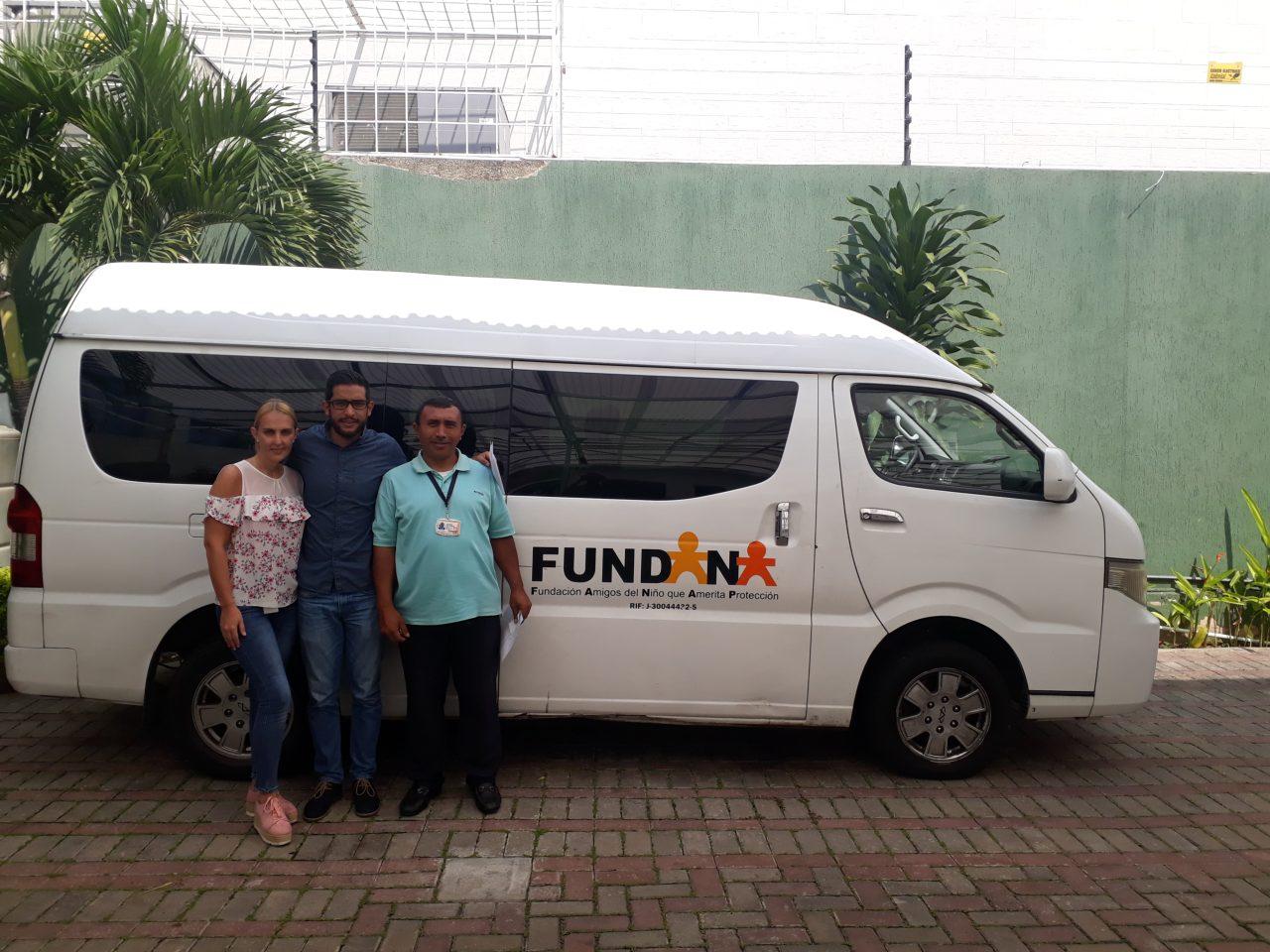 Fundación Yammine entregó donativo a Fundana